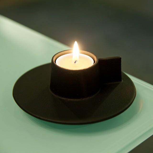 《アルミ鋳物のキャンドルホルダー》デミタスカップ型でスタッキングも出来るキャンドルホルダー|demi+(デミタス)