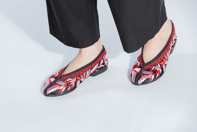 Chinese Style Handcrafted Embroiderd Shoes Made in Taiwan チャイニーズ スタイル 刺繍シューズ 台湾製  チャイナシューズ