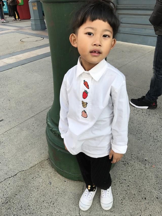 刺繍☆白シャツ ラスト1点 90サイズ