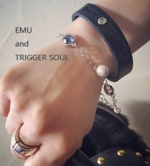 *SALE*[TRIGGERSOUL+EMU]のコラボアイテム/ブラックレザー&スワロフスキー・クリスタル ブレスレット