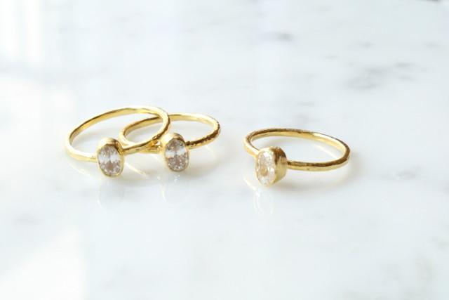 shiny natural stone slender gold ring