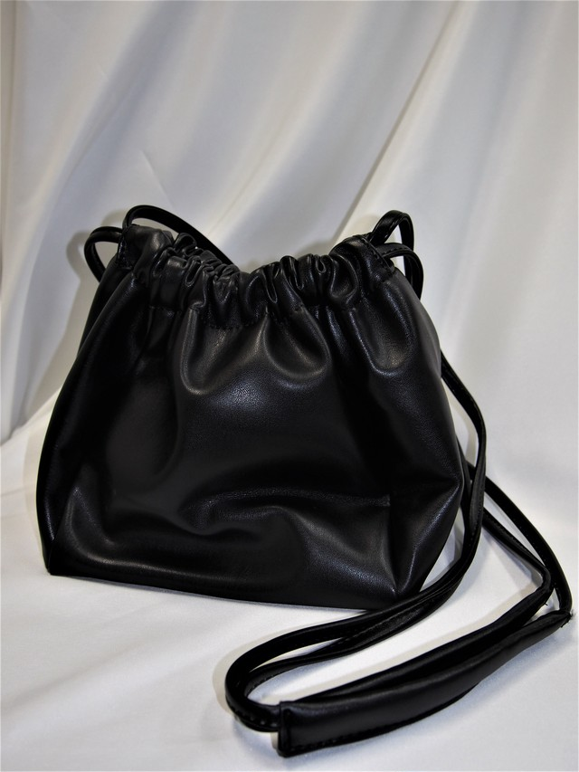 ブラック / Fake Leather Pochette