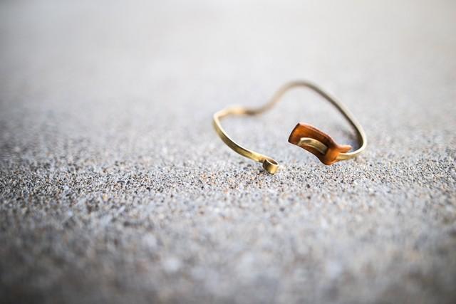 [イニシャル刻印可][ペア][2way]個性的な真鍮レザーバングル キャメル