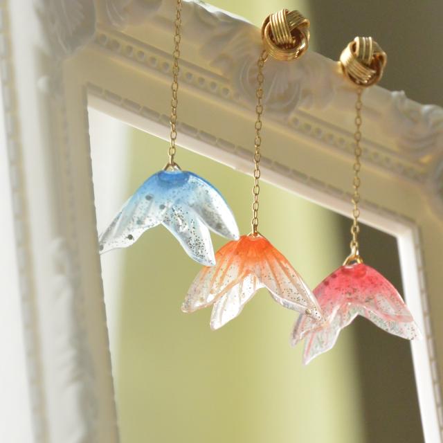 【再販☆】透明感あふれる、ゆれる金魚ピアス ―カラバリ3種―