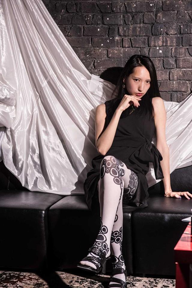 Avant-garde stockings. Avantgarde Legwear 02