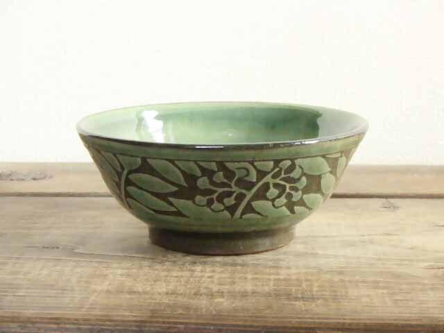 ナナカマドの鉢(織部)