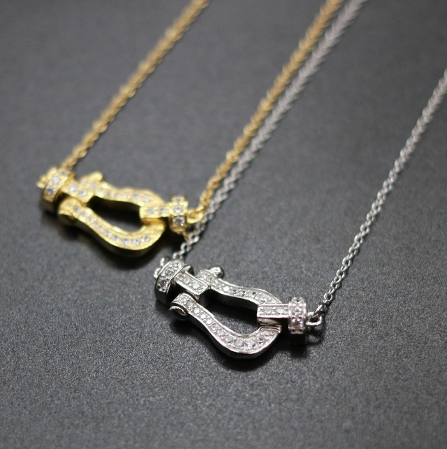 [Virgo] Horse's hoof necklace