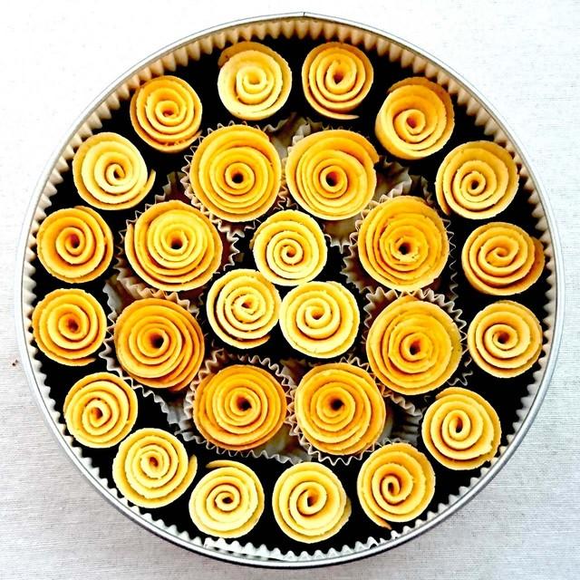 RB-2 ばらの花のクッキー【丸缶大】
