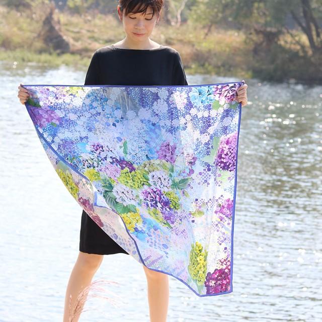 シルクスカーフ[水の器 紫陽花浮かべて]ブルー