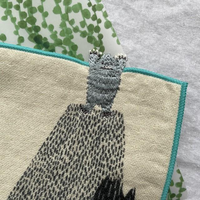 moritaMiW×楠橋紋織 ちいさなポケットハンカチ バンザイイエティ 刺繍 プチギフトに 森田MiW ハンカチ