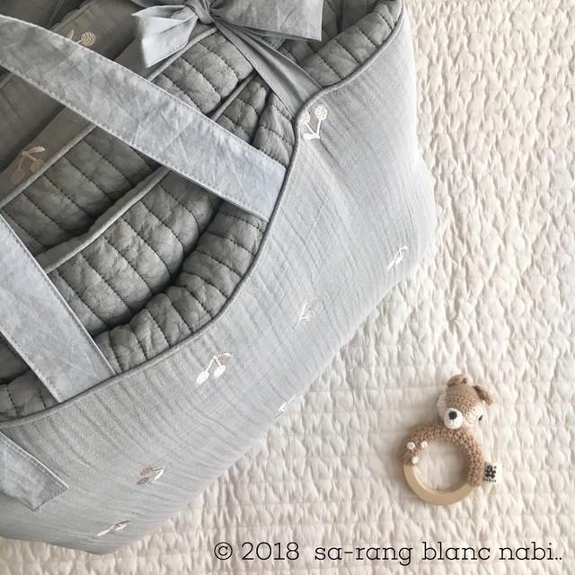 【ご予約商品】お昼寝布団 3重ガーゼ生地さくらんぼ刺繍グレー 中綿パット取り外し可能タイプ