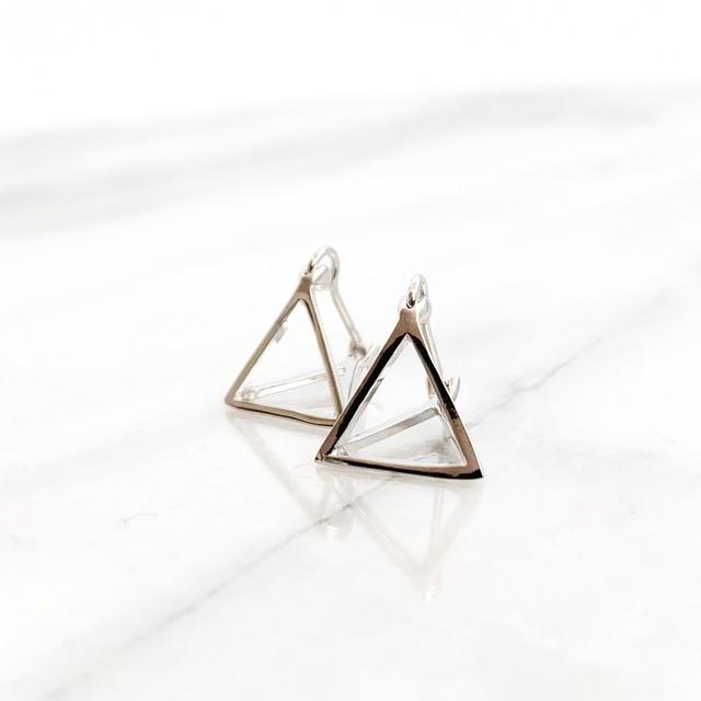 sv925 triangle motif pierces n459