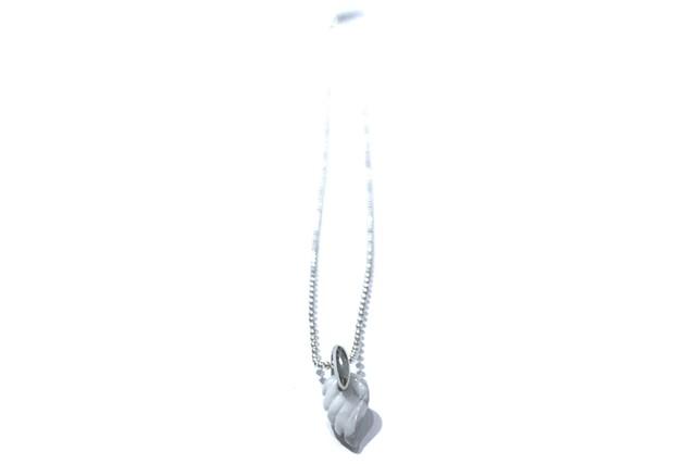 天然石のプチ羽根のネックレス(ホワイトターコイズ) ☆数量限定品