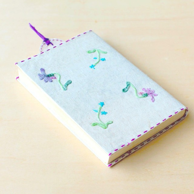 刺繍花入り和紙文庫カバーとしおりセット スミレ