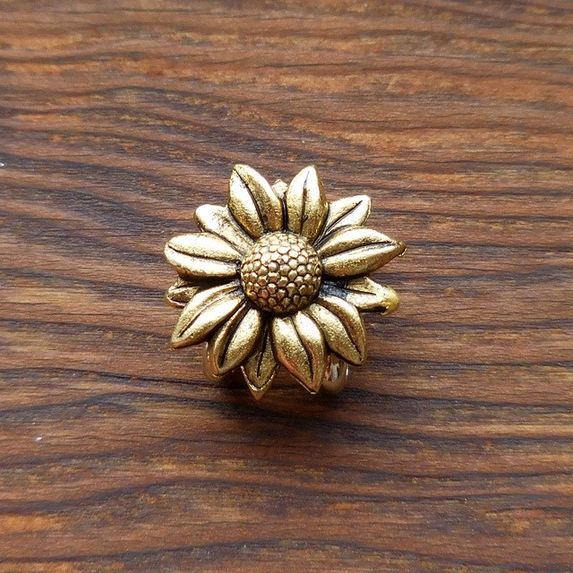 (4) 小さな小さな帯留め ひまわり ゴールド 和装小物 【レターパックライト可】