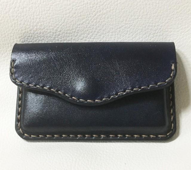 本革製 名刺ケース(絞り加工,濃紺)c013