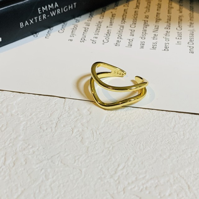 double wave design ring