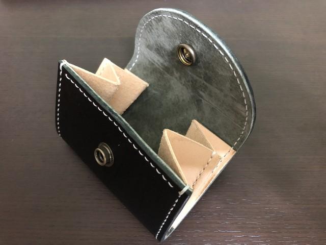 コインの出し入れを極限まで追求した「本革手縫いコインケース」