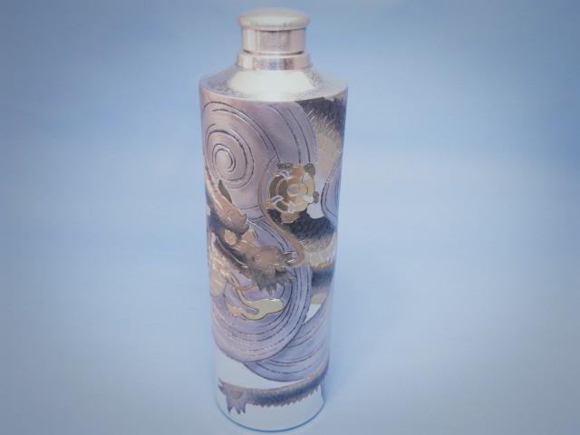 【経済産業大臣指定の日本の伝統工芸士】【銀製】除菌ジェル入れ&ボトル龍彫刻