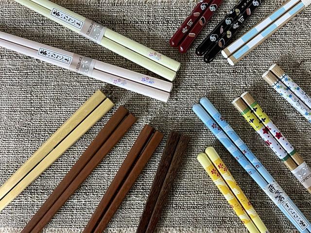 木製箸 「送料無料!アウトレット価格 【合計4,500円分】のお箸が入っているセット 箸の長さ22.5cm」在庫限り