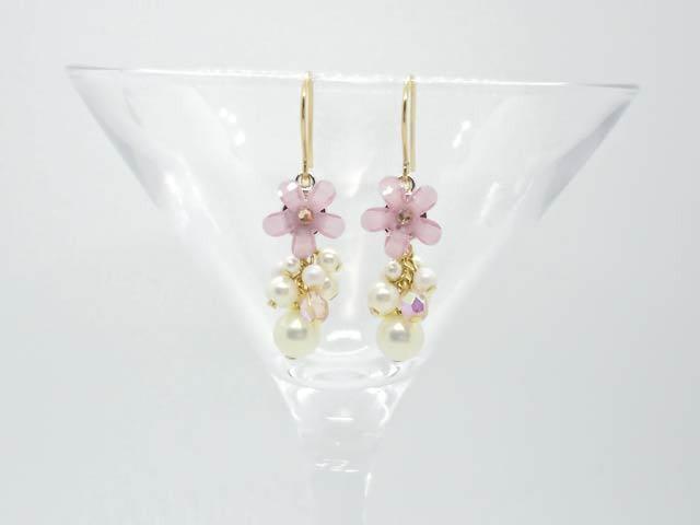 ロマンチックなお花のピアス 桜ピンク