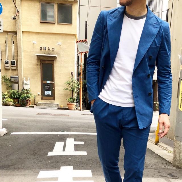 スーツを着ない人のスーツ インディゴブルーコットンツイルアンコン6釦ダブルセットアップスーツ 2193-AJ15J-2801