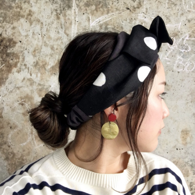 Bon Bon Pocho hairband(chacoal gray×black dot)