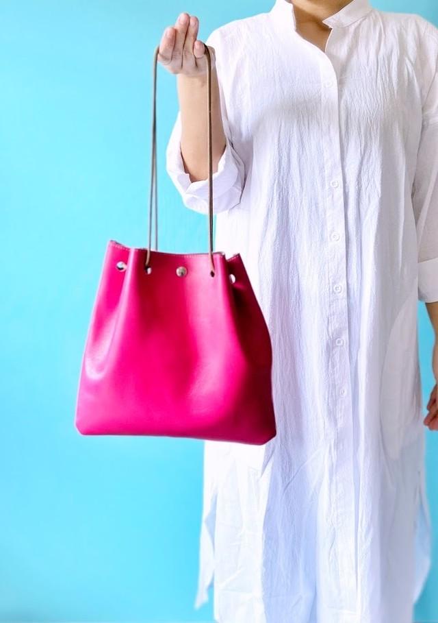 ラージサイズ 巾着バッグ 本革 マゼンタ ピンク