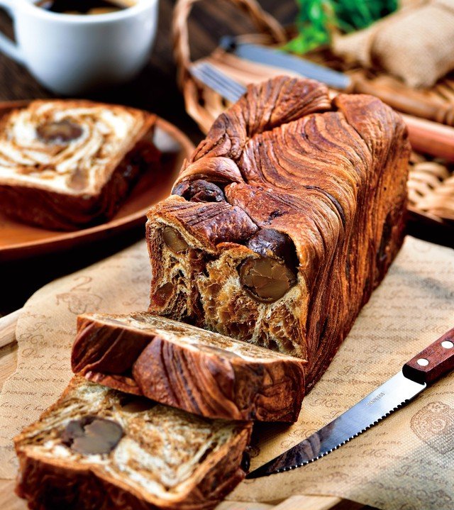 【増量しました!】溢れる栗のクロワッサン食パン