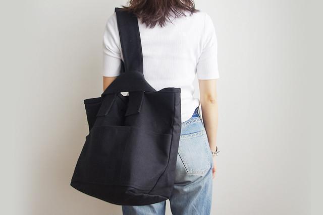 CLOUCHY SHOULDER BAG (オールブラック)