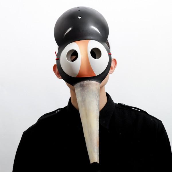 国内初?仮面、マスクの専門店「仮面屋おもて」の個性的で衝撃的な仮面