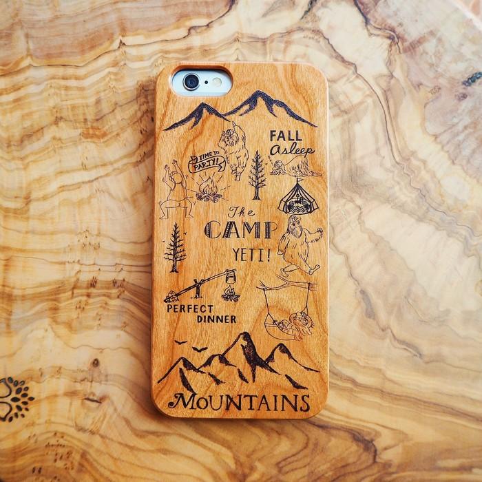 冬だって大好きなキャンプを忘れたくない!経年変化を楽しめる木製のiPhoneケース