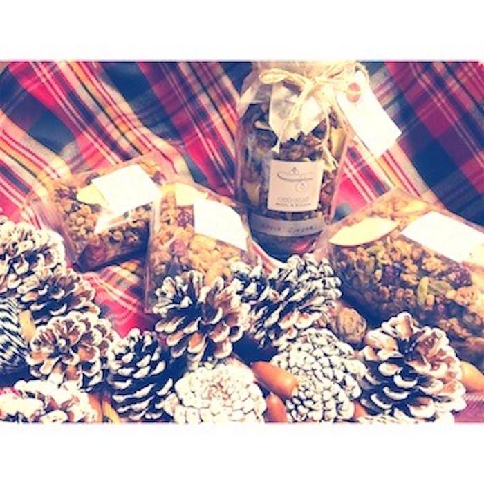 徐々に高まるクリスマスムードにあなたも飛び乗ろう!美味しいクリスマスを迎えるならApple Cinnamon Ginger GRANOLAはいかが?