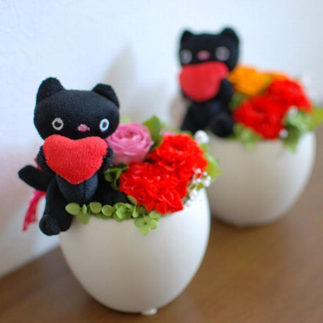 幸せの黒猫!?猫好きに贈りたいプリザーブドフラワーアレンジメント
