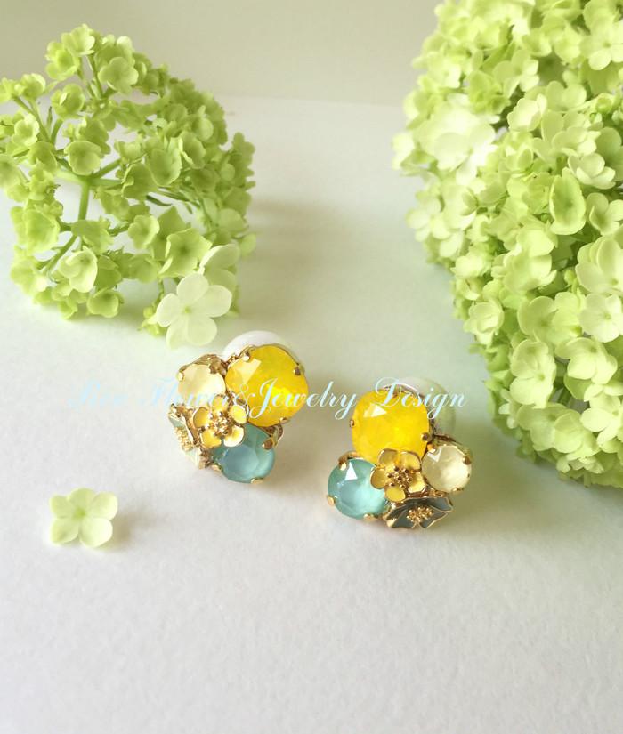 春夏に身に付けたくなる♡お花をモチーフにしたキレイ色のピアス