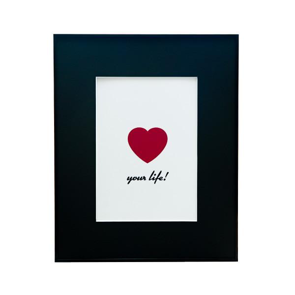 「LOVE YOUR LIFE」なA4サイズのアートフレーム