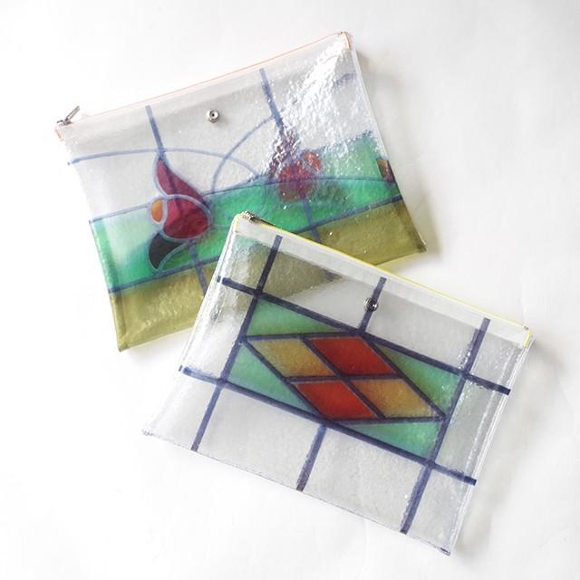 まるでステンドグラス!?ビニールに特殊な加工を施してガラスのように表現したバッグ