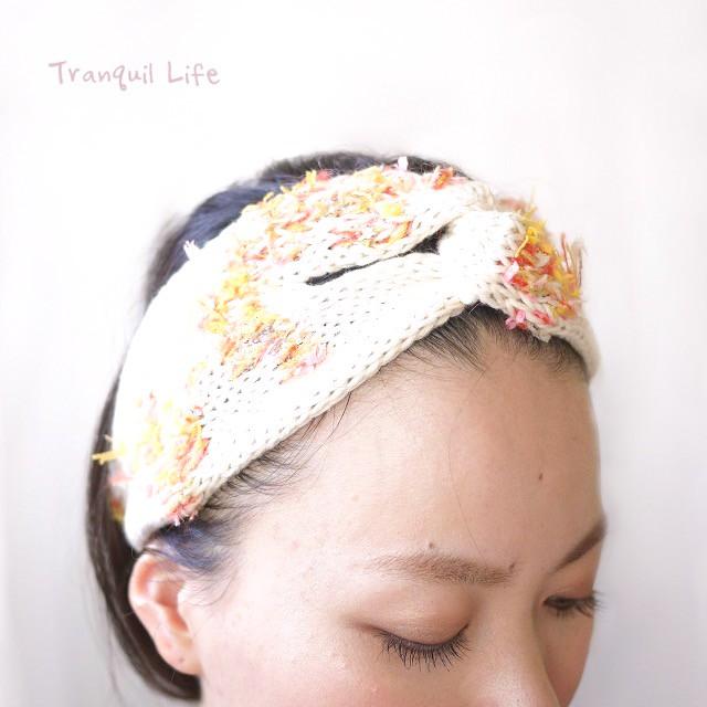 秋の風情をファッションにも。イチョウ並木と紅葉の絨毯のヘアバンド
