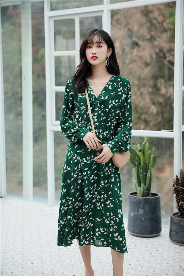 【森ガール】緑・かわいい花柄の長袖ロングワンピースをご紹介します。
