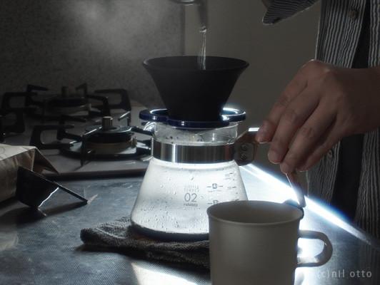 半永久的に使える、セラミックでできたコーヒーフィルター「Coffe hat」
