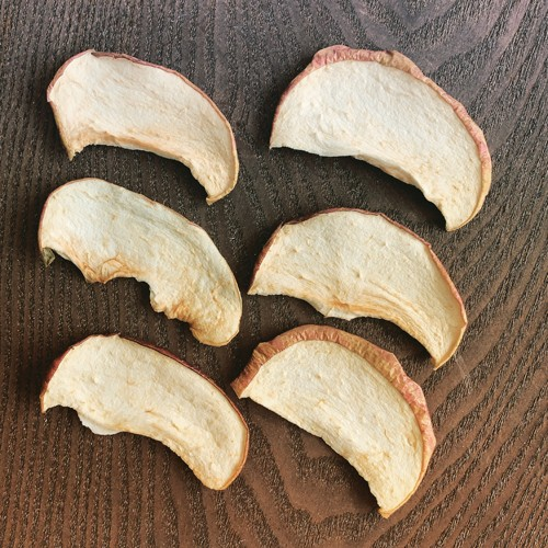 お菓子作りにも最適な北海道産りんごで作った無添加ドライフルーツ