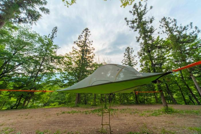 空中のテント!?テントサイルが楽しめるキャンプ場