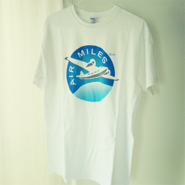 フィリピン最後の秘境・パラワン島でみつけた、おしゃれな古着Tシャツたち
