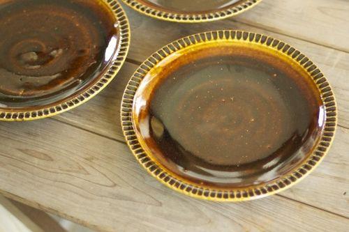 余裕のある暮らしはお皿から。飴色に光るお皿でとっておきの一品を!