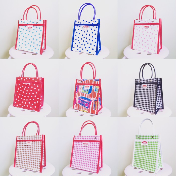 あなたはどの柄・色を選びますか?シーンを選ばずに使える「KITSCH KITCHEN・ミニバッグ」