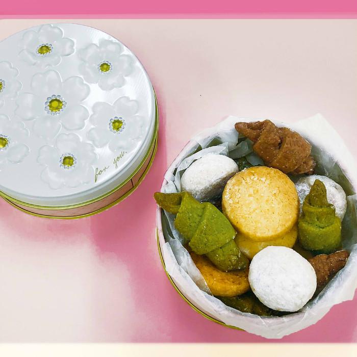 美味しく食べて箱まで使える春色幸せブーケ缶