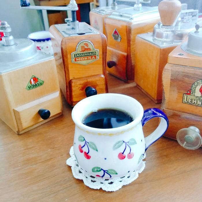 香ばしさが倍増の予感♡50年代にドイツで作られた、ヴィンテージコーヒーミル