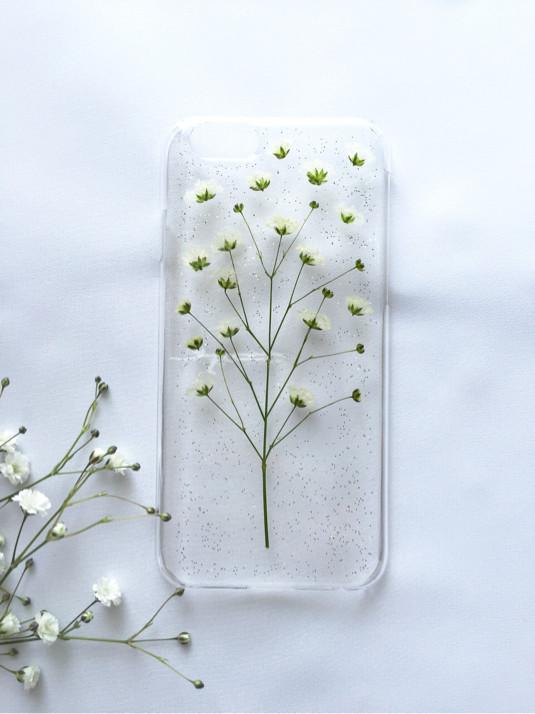 お客様の声からうまれた、かすみ草のiPhoneケース