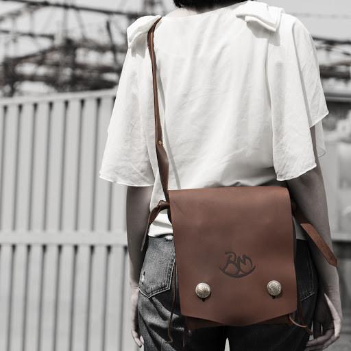個性的なデザインで差を付ける!アメカジに◎なレザーショルダーバッグ