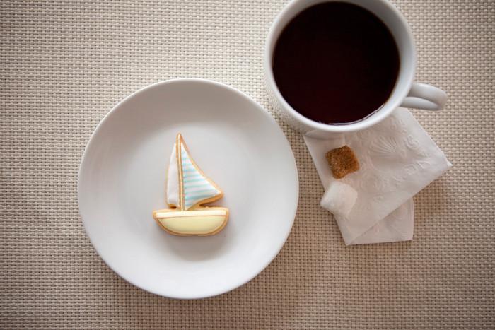 江ノ島からお届けする、湘南の海をモチーフにしたアイシングクッキーたち。